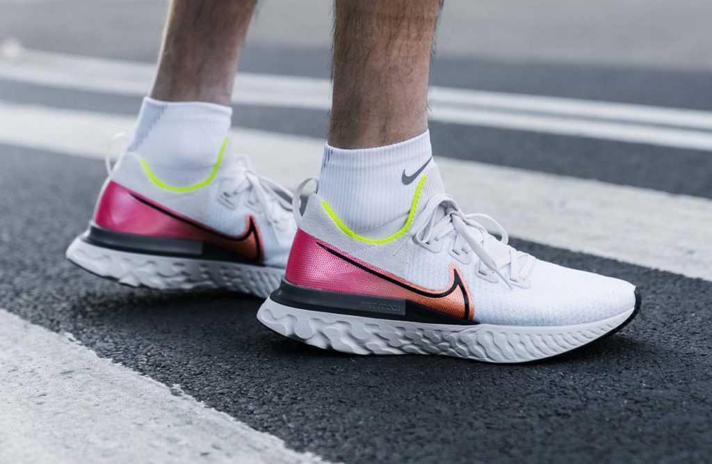 Giày chạy bộ Nike React Infinity Run