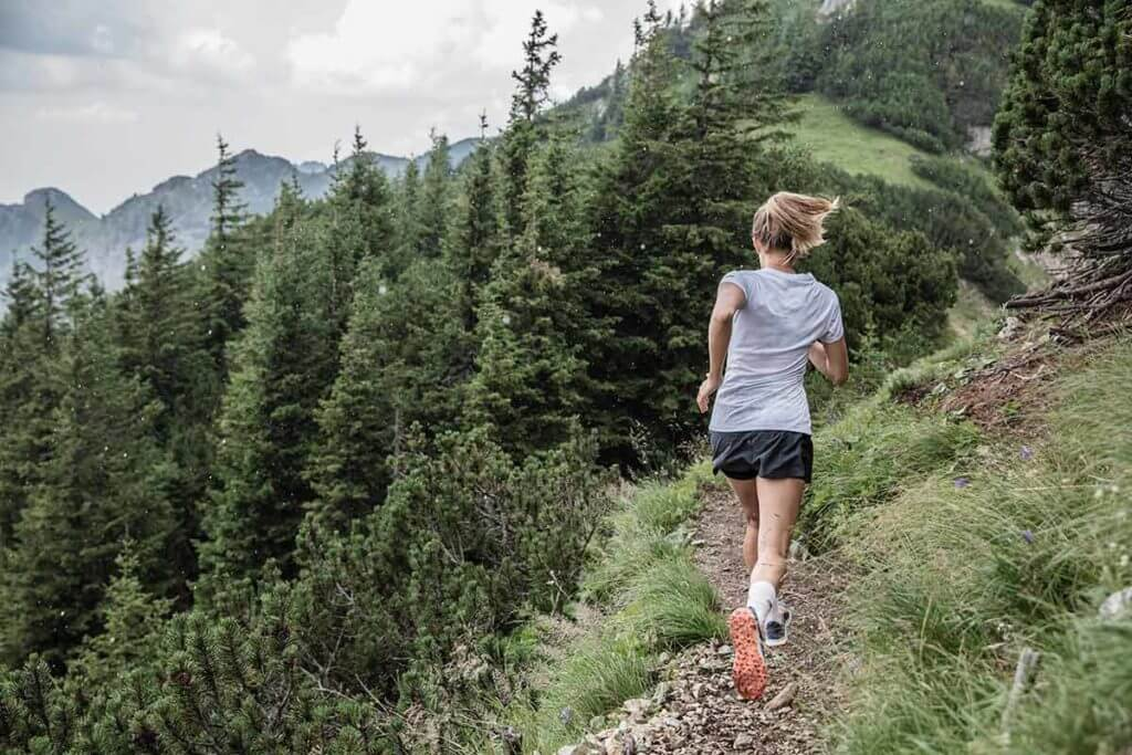 giày chạy trail tốt nhất
