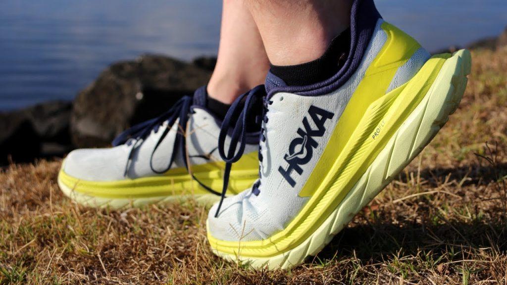 review giày chạy bộ Hoka Mach 4