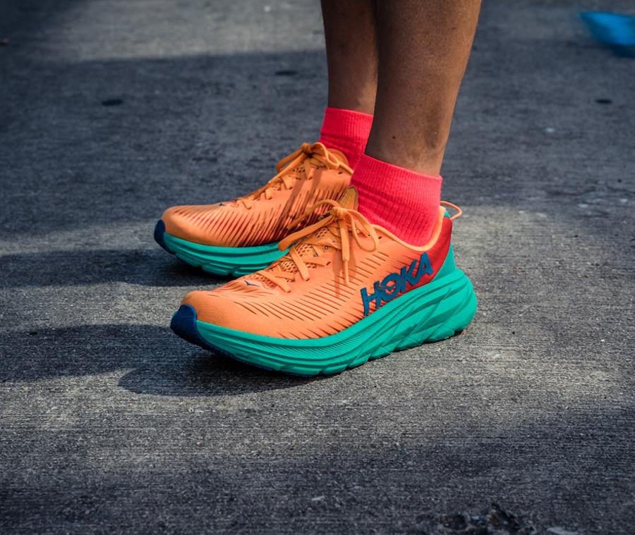 Review giày chạy bộ Hoka Rincon 3